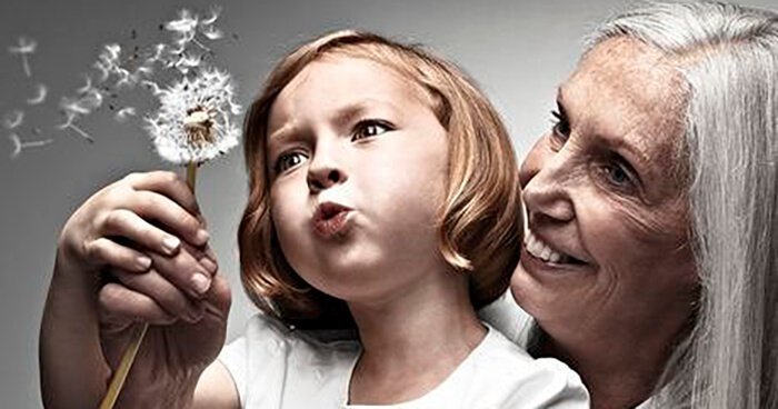 Mother-and-grandchild-011