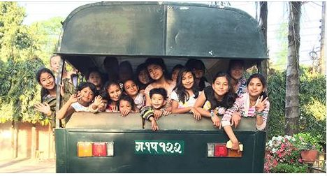 Nepalese Girls Cook for Earthquake Survivors