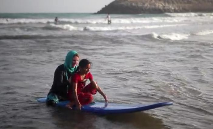 Iranian Surfer Girls